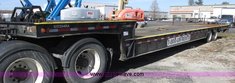 E7039.JPG - 2006 Ledwell LW48HT2 hydraulic tail trailer , 83 quot L x 102 quot W upper deck , 48L x 102 quot W l...