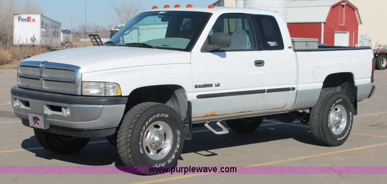 E2533.JPG - 2000 Dodge Ram 2500 pickup truck , 120,238 miles on odometer , 5 9L V8 OHV 16V gas engine , Automati...