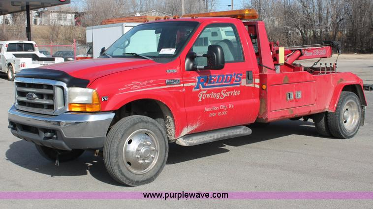 E2545.JPG - 1998 Ford F450 Super Duty tow truck , 88,479 actual miles , 7 3L V8 diesel engine , Five speed manua...