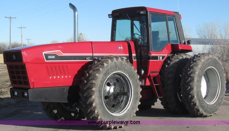 B5338.JPG - 1979 International 3588 MFWD tractor , 6,218 hours on meter , International 7 6L six cylinder turbo ...