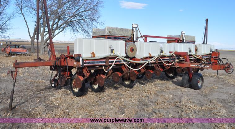 coil and points ignition wiring diagram for ih 2424 circuit diagram for ih 800 planter case ih 800 planter | no-reserve auction on wednesday ... #3