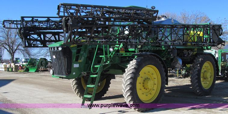 D7138.JPG - 2010 John Deere 4930 self propelled sprayer , 1,072 hours on meter , John Deere 6090HN001 9L six cyl...