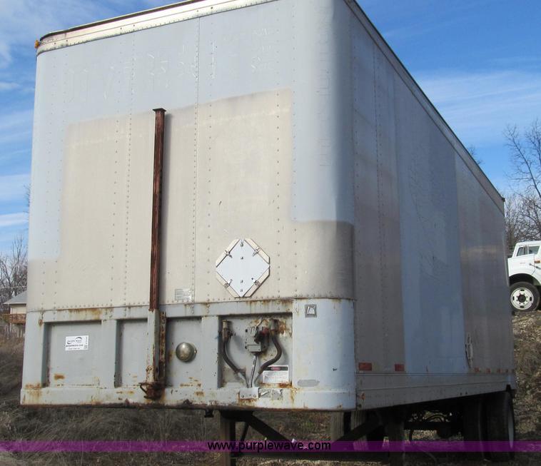 E3720.JPG - 1991 Fruehauf 30 enclosed van trailer , Single axle , Roll up rear door , Highway inspected , 295/75...