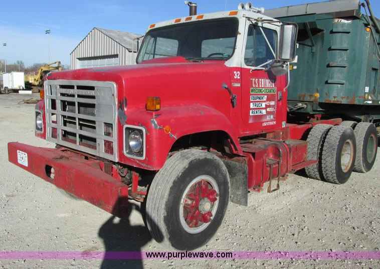 F4134.JPG - 1981 International semi truck , 99,870 miles on odometer , 1998 Cummins six cylinder turbo diesel en...