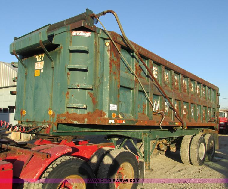 F4140.JPG - 1961 Steco SD2660 26 dump trailer , Four stage hydraulic lift cylinder , Manual open rear gate , Man...