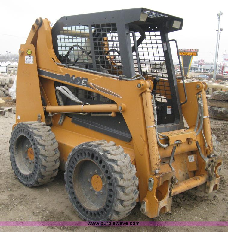 E3075.JPG - 2005 Case 435 skid steer , 629 hours on meter , Hours will vary , Diesel engine , OROPS , Hand loade...