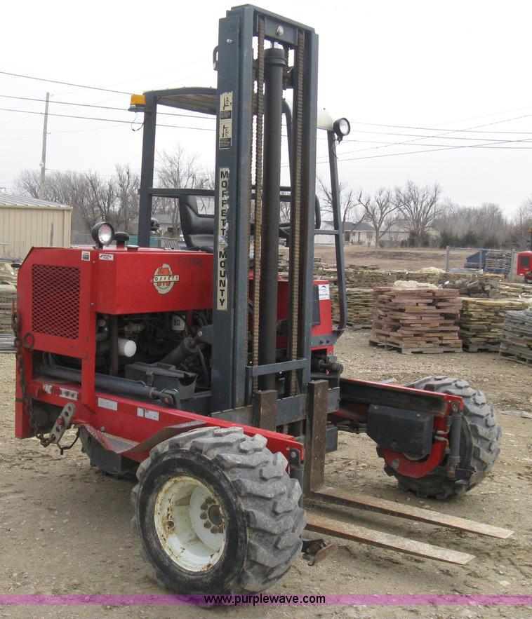 E3077.JPG - 1997 Moffett M5000 piggy back forklift , 1,803 hours on meter , Hours will vary , Lister Petter four...