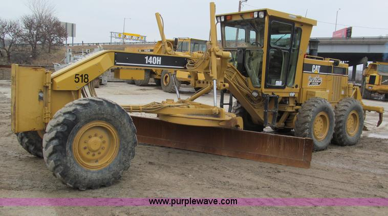 E2819.JPG - 2001 Caterpillar 140H VHP motor grader , 5,889 hours on meter , Caterpillar 3306 diesel engine , 185...