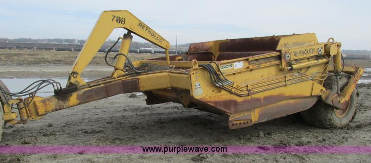 F4308.JPG - Reynolds C14E10 5 pull type scraper , 10 5 cu yd capacity , 13 00 24 tires , Serial 265532 , Unit 70...