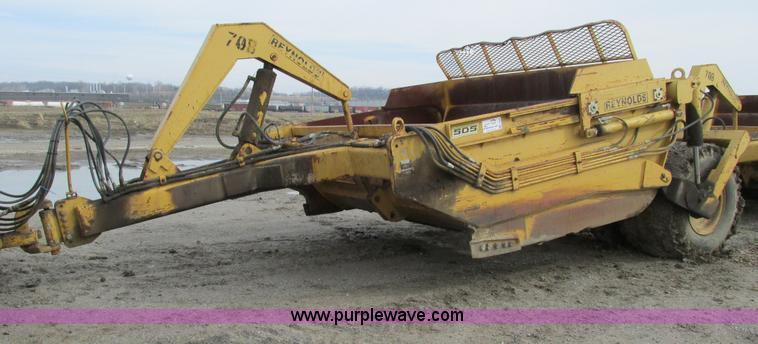 F4309.JPG - Reynolds C14E10 5 pull type pan scraper , 10 5 cu yd capacity , 13 00 24 tires , Serial 26533 , Unit...