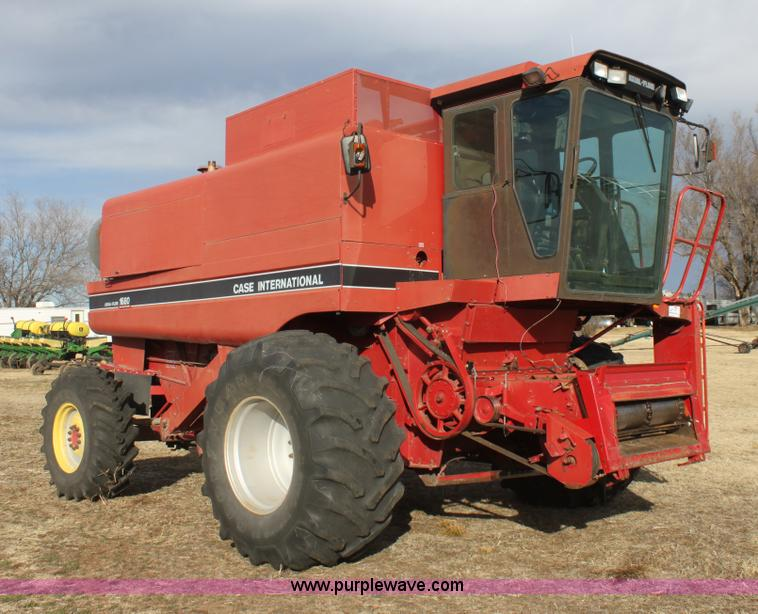 E8405.JPG - 1992 Case IH 1680 Axial Flow 222BC RWA combine , 3,880 engine hours on meter , Cummins 8 3L turbo di...