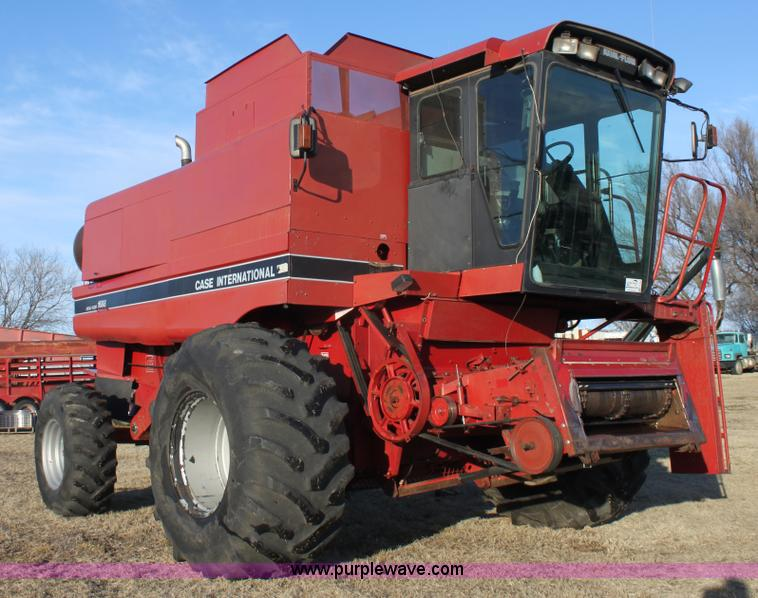 E8406.JPG - 1994 Case IH 1688 Axial Flow F33 combine , 4,512 engine hours on meter , Cummins 8 3L turbo diesel e...