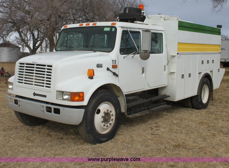 E8415.JPG - 1996 International 4700 Crew Cab service truck , 112,797 miles on odometer , 11,109 hours on meter ,...