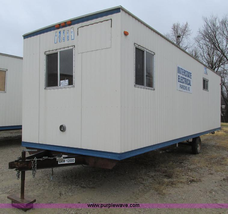 F4232.JPG - 2006 Comb 26 single axle office trailer , 8W exterior , 7H ceiling , 79 quot L x 7 5W front office ,...
