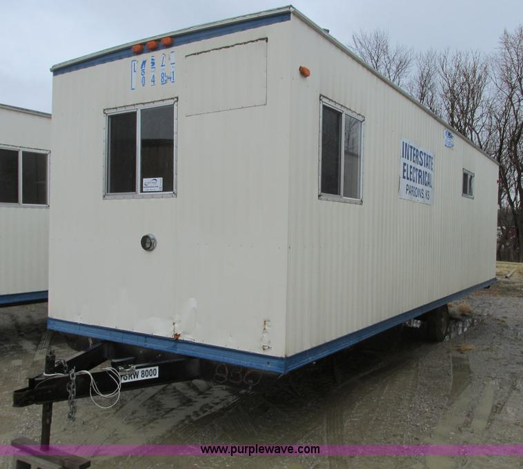 F4233.JPG - 2005 Comb 26 single axle office trailer , 8W exterior , 7H ceiling , 79 quot L x 7 5W front office ,...