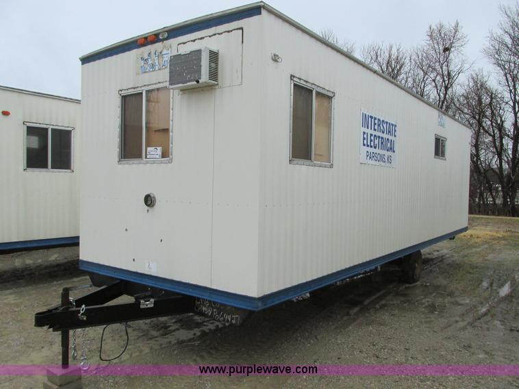 F4234.JPG - 2006 Comb 26 single axle office trailer , 8W exterior , 7H ceiling , 79 quot L x 7 5W front office ,...