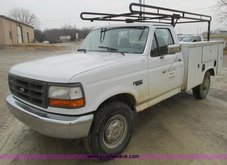 F4239.JPG - 1997 Ford F250 service truck , 178,525 miles on odometer , 5 8L V8 OHV 16V gas engine , Automatic tr...