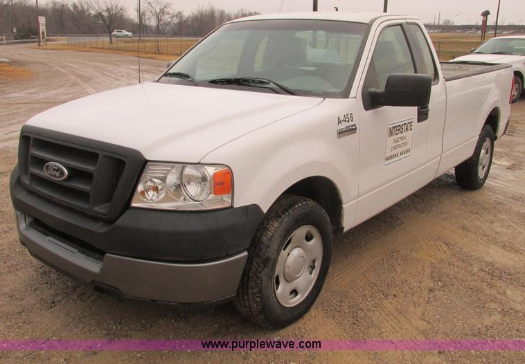 F4240.JPG - 2006 Ford F150 pickup truck , 180,674 miles on odometer , 4 6L V8 SOHC 16V gas engine , Automatic tr...