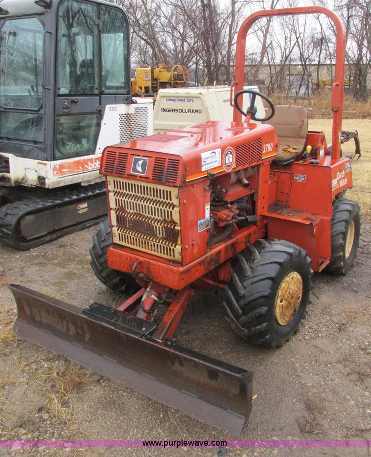 F4242.JPG - 1999 Ditch Witch 3700DD trencher , 1,506 hours on meter , Deutz four cylinder diesel engine , Model ...