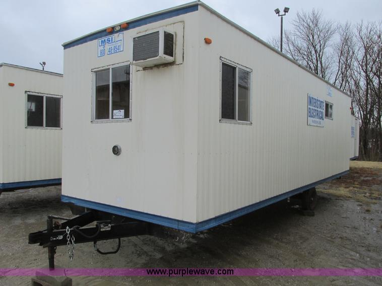 F4248.JPG - 2005 Comb 26 single axle office trailer , 8W exterior , 7H ceiling , 79 quot L x 7 5W front office ,...