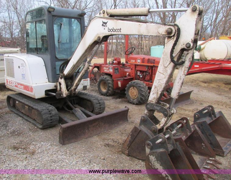 F4281.JPG - 1997 Bobcat X331 compact excavator , 4,315 hours on meter , Four cylinder diesel engine , Enclosed c...