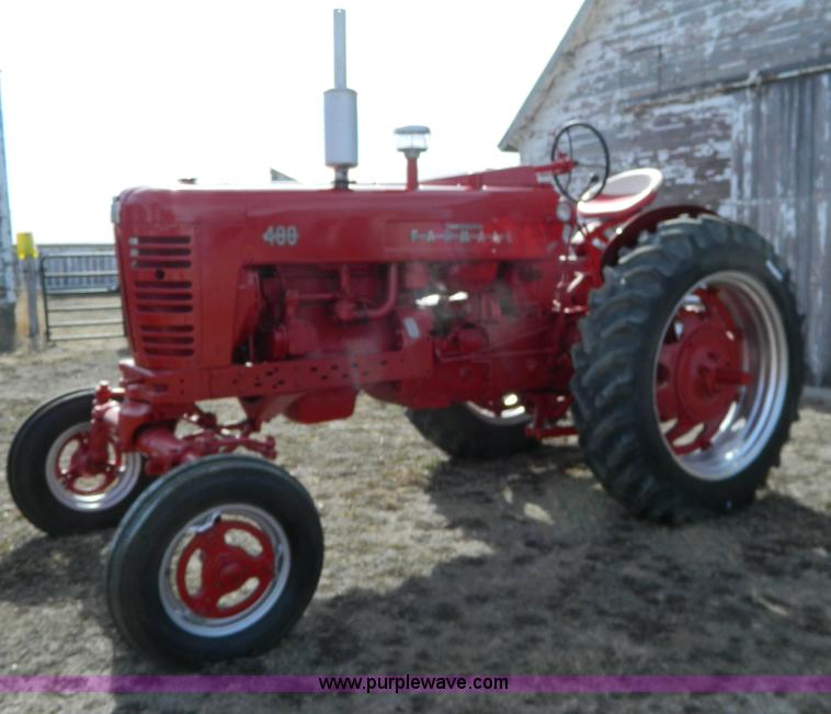 S9234.JPG - 1956 Farmall 400 tractor , Gas engine , Manual transmission , 5F 1R gears , Spring suspension seat ,...