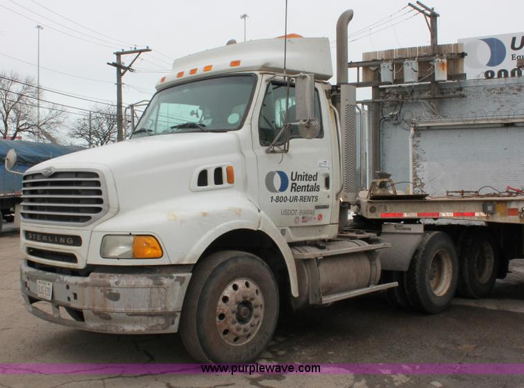 E2917.JPG - 2006 Sterling LT9500 semi truck , 154,662 actual miles , Mileage may vary , Caterpillar C13 12 5L L6...