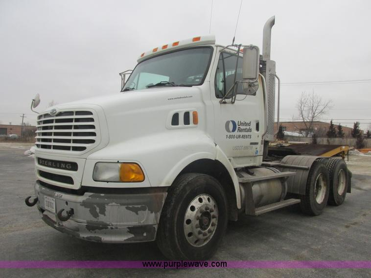 E7111.JPG - 2006 Sterling LT9500 semi truck , 196,058 miles on odometer , Caterpillar C13 Acert 12 5L L6 diesel ...