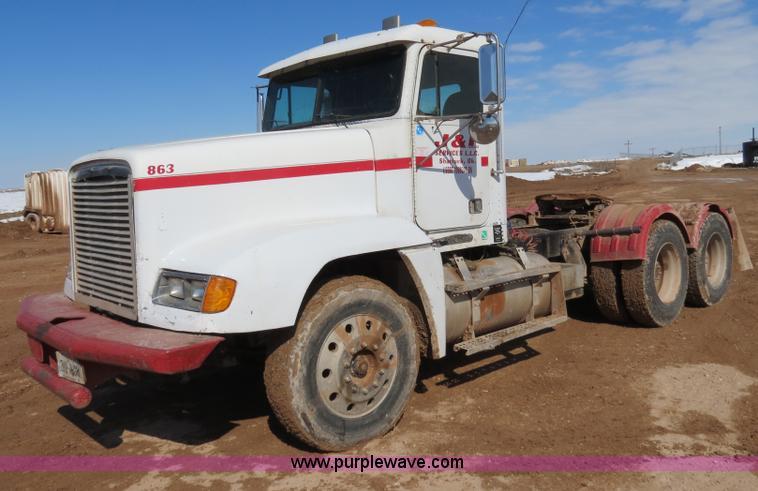B4654.JPG - 1995 Freightliner FLD120 semi truck , 227,445 miles on odometer , Detroit Diesel Series 60 12 7L L6 ...