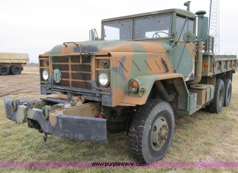 E2828.JPG - 1985 Am General M925 military truck , 25,769 miles on odometer , Cummins NHC six cylinder turbo dies...