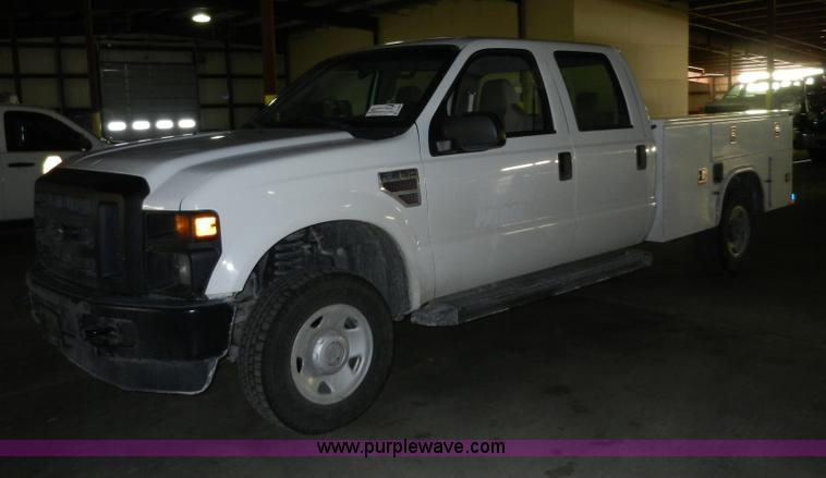 A3934.JPG - 2008 Ford F250 Super Duty XL service truck , 313,660 miles on odometer , Powerstroke 6 4L V8 OHV 32V...