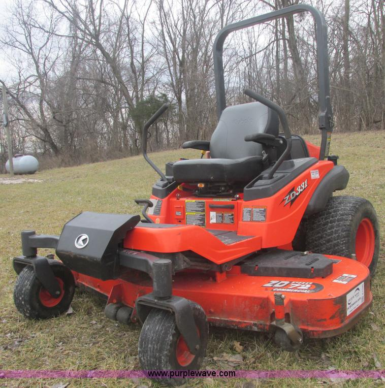 E7105.JPG - Kubota ZD331 ZDPRO commercial lawn mower , 283 hours on meter , 72 quot cut , Kubota three cylinder ...