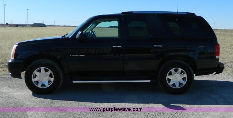 G7538.JPG - 2002 Cadillac Escalade , 191,947 miles on odometer , 6 0L V8 OHV 16V gas engine , Automatic transmis...