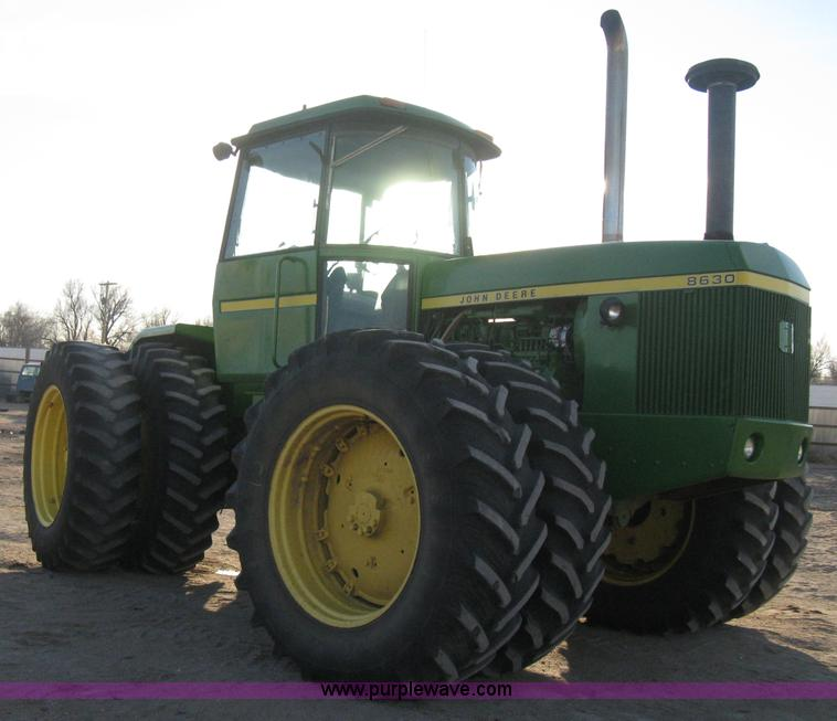 E3105.JPG - 1975 John Deere 8630 4WD tractor , 581 hours on meter , John Deere six cylinder diesel engine , Rebu...