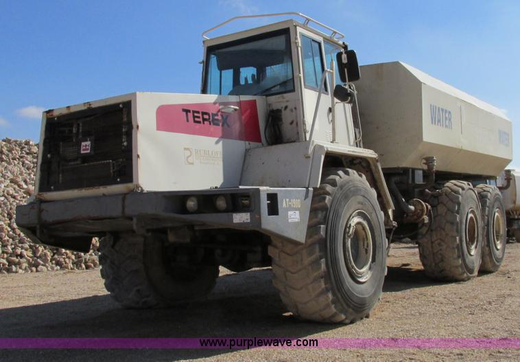 F4724.JPG - 1999 Terex TA40 water truck , 1,074 hours on meter , Detroit Series 60 diesel engine , Six speed pow...