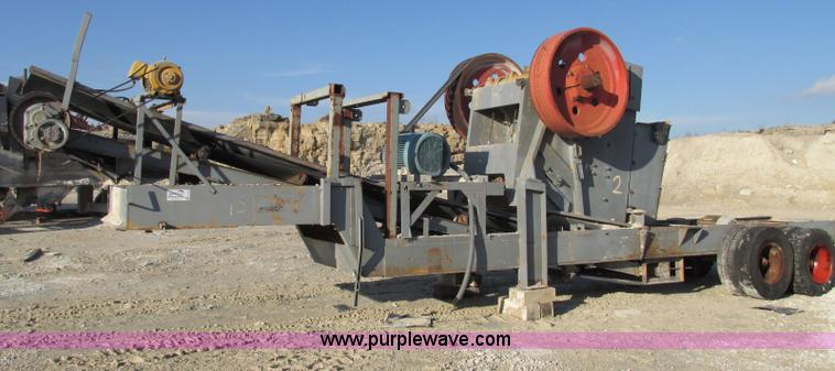 F4740.JPG - Missouri Rogers 2436 portable jaw crusher , Electric , 100 HP , 25 quot x 36 quot discharge conveyor...