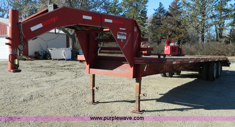 Y9046.JPG - 1998 Circle gooseneck trailer , 27 deck , 5 dovetail , 96 quot W , Triple ramps , Double down rigger...