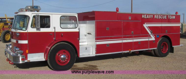 G5639.JPG - 1977 Seagrave SR 20788 firetruck , 36,584 miles on odometer , 2,209 hours on meter , Detroit six cyl...