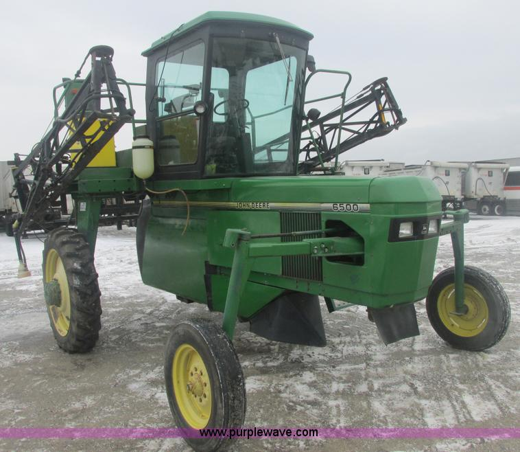 E7119.JPG - 1995 John Deere 6500 sprayer , 2,812 hours on meter , John Deere four cylinder diesel engine , Seria...