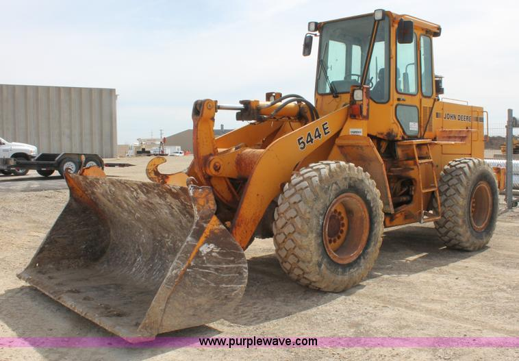 E2919.JPG - 1989 John Deere 544E wheel loader , 6,573 hours on meter , John Deere 5 9L six cylinder diesel engin...