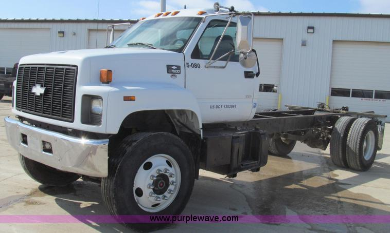 E3792.JPG - 2002 Chevrolet C7500 cab and chassis , 228,080 miles on odometer , Caterpillar 3126 7 2L L6 diesel e...
