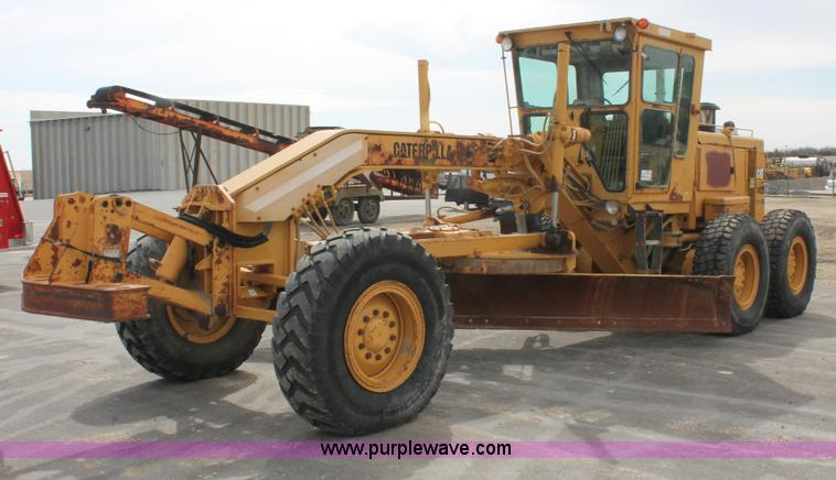 F2945.JPG - 1995 Caterpillar 140G articulated motor grader , 8,743 hours on meter , Caterpillar 3306 six cylinde...