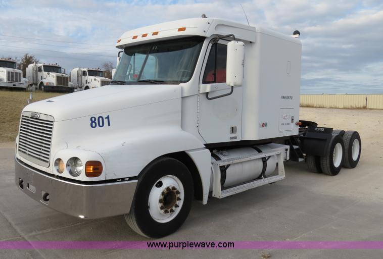 B2494.JPG - 1999 Freightliner C120 semi truck , 983,076 miles on odometer , Detroit 60 12 7L L6 diesel engine , ...