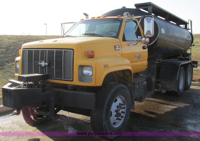 F4499.JPG - 1999 Chevrolet C8500 water flusher truck , 78,999 miles on odometer , 5,482 hours on meter , Caterpi...