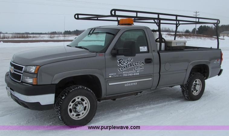 G2503.JPG - 2007 Chevrolet Silverado 2500HD pickup truck , 111,454 miles on odometer , 6 6L V8 OHV 32V turbo die...