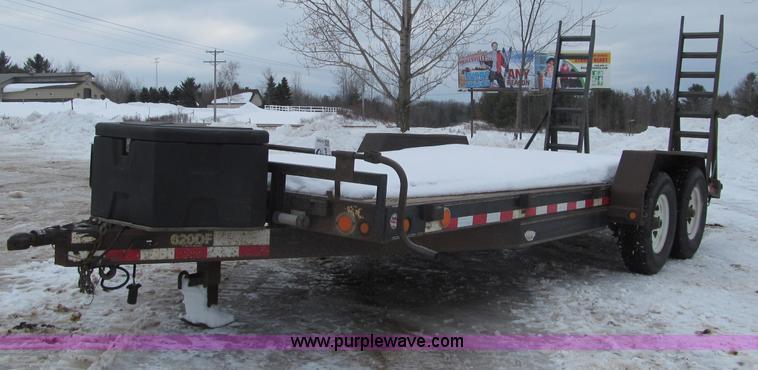 G2585.JPG - 2005 PJ 620DF tandem axle trailer , 18L x 7W wood deck , 2L dovetail , Stake pockets , Jack stand , ...