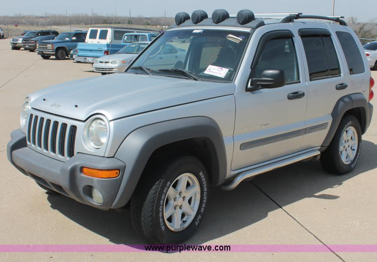 D8020.JPG - 2002 Jeep Liberty Sport SUV , Mileage unknown , 3 7L V6 SOHC 12V gas engine , Automatic transmission...