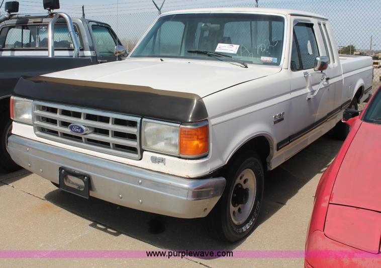 1988 ford f150 xlt lariat supercab pickup truck no reserve auction on monday april 22 2013. Black Bedroom Furniture Sets. Home Design Ideas