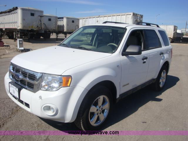 B1855.JPG - 2008 Ford Escape XLT SUV , 76,013 miles on odometer , 3 0L V6 DOHC 24V gas engine , Automatic transm...