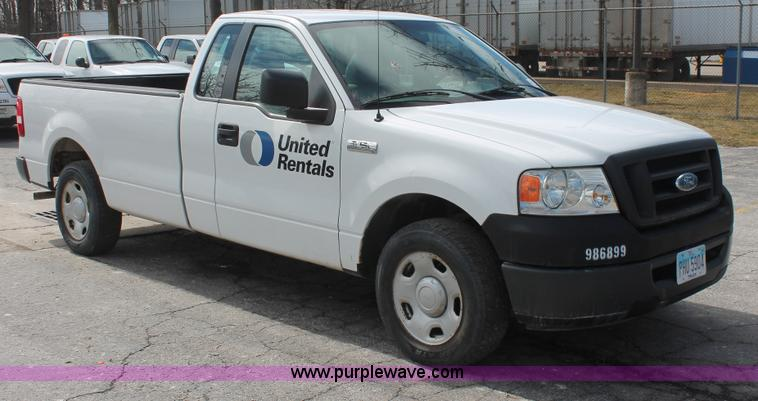E3289.JPG - 2006 Ford F150 XL pickup truck , 47,567 actual miles , 4 2L V6 OHV 12V gas engine , Automatic transm...